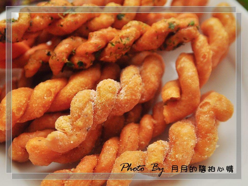 團購美食–小琉球合家麻花捲–飄洋過海來見您,最簡單的味道 @民宿女王芽月-美食.旅遊.全台趴趴走