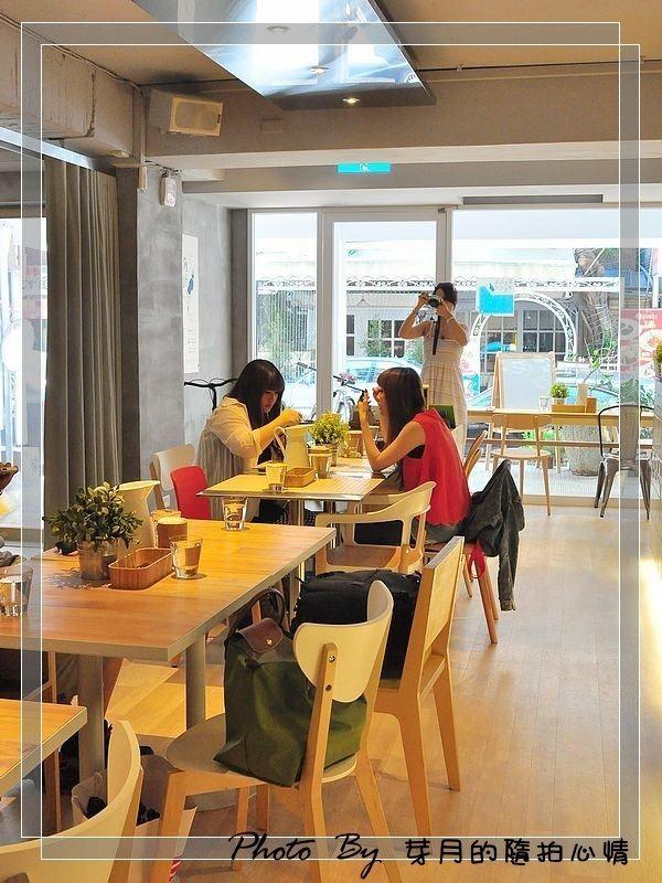 台北大安–Fabrica 椅子–設計融入餐點環境,打造椅子城堡 @民宿女王芽月-美食.旅遊.全台趴趴走