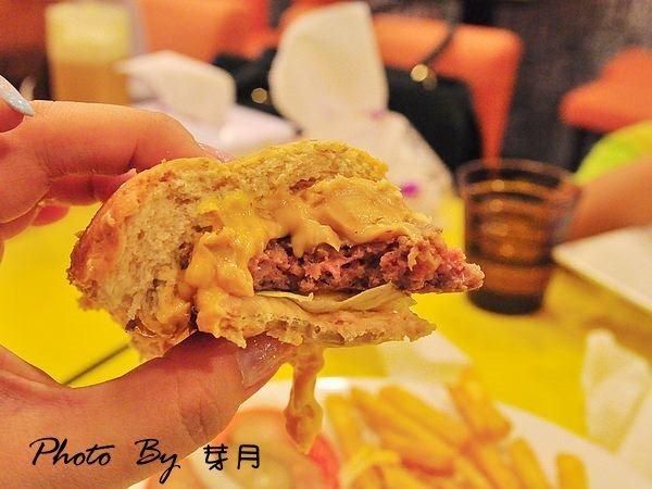 台北大安—Mr .Smile 微笑先生–座落在美食街的平價美食,粉紅醬有用心~ @民宿女王芽月-美食.旅遊.全台趴趴走