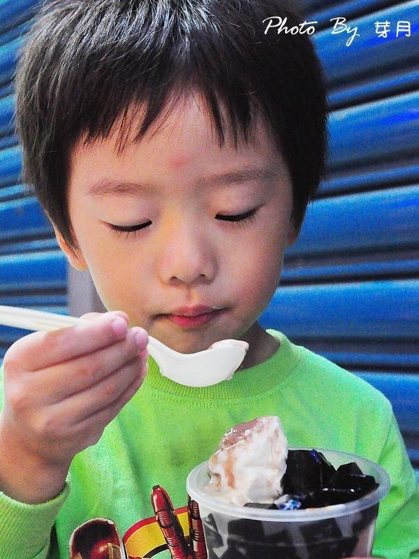 宜蘭羅東夜市–冰戀BAR飲料舖–夜市裡的小確幸,超香濃霜淇淋 @民宿女王芽月-美食.旅遊.全台趴趴走