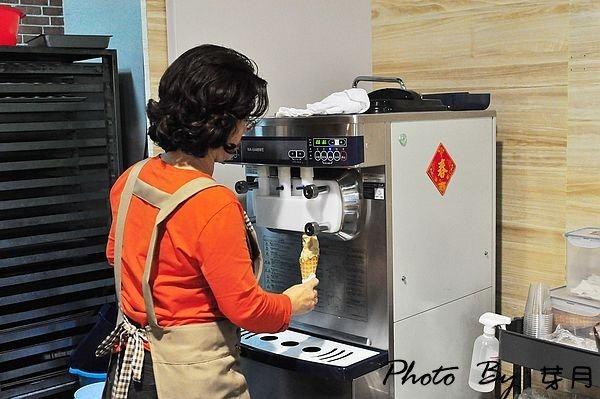 恆春–洋蔥田.瑪力烘焙坊–特色洋蔥冰淇淋,創新口味好獨特 @民宿女王芽月-美食.旅遊.全台趴趴走