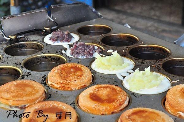 小琉球美食–40年街頭紅豆餅—好吃排隊美食,晚來一定買不到 @民宿女王芽月-美食.旅遊.全台趴趴走