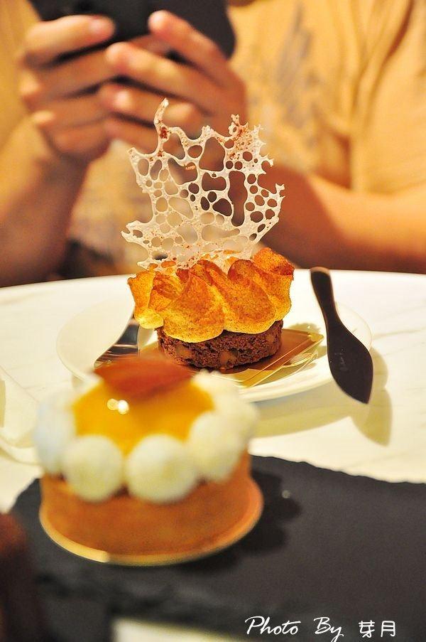 宜蘭冬山美食散步小河岸蓮春園法式甜點可利露雲朵奶茶白巧克力布朗尼