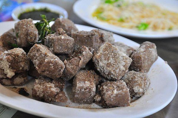 石碇文仙黑豆腐好吃苦茶油麵線豆花