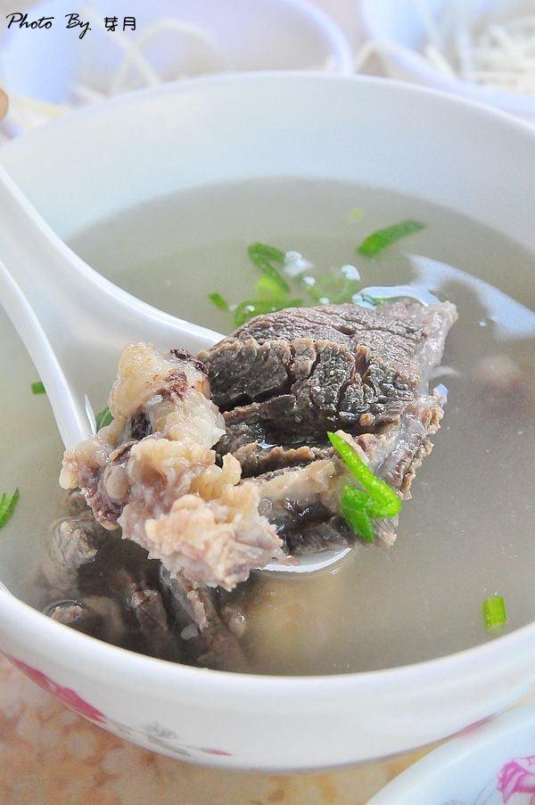 台南美食東區–長榮路牛肉湯–騎樓旁的美味,台南人的早餐 @民宿女王芽月-美食.旅遊.全台趴趴走