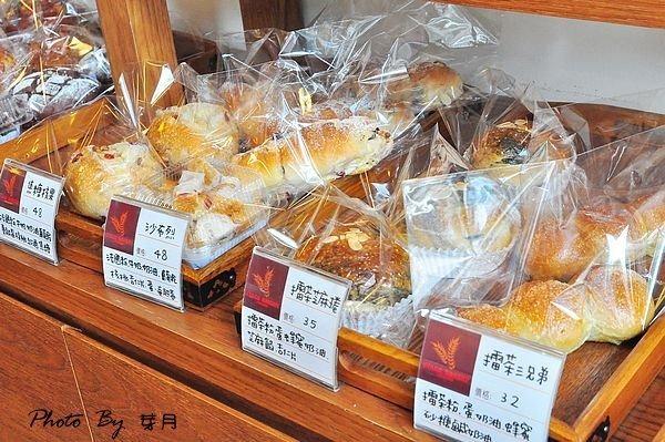 新竹美食小舞台烘培坊重乳酪擂茶塔義式手工冰淇淋蜂蜜丁
