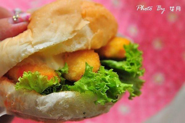 全台流動美食–喬治素食漢堡–神出鬼沒小餐車,吃到算你運氣好 @民宿女王芽月-美食.旅遊.全台趴趴走