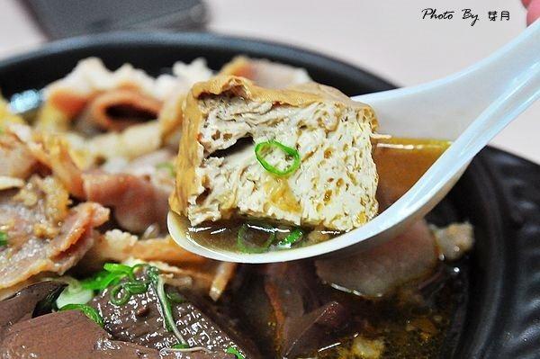 宜蘭羅東夜市美食宏鑌麻辣臭豆腐鴨血好吃推薦