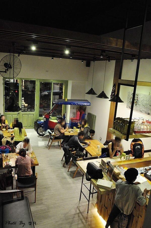 桃園中壢美食-THAI CAFE 圖圖咖啡-泰式餐點有創意,香蕉煎餅好美味 @民宿女王芽月-美食.旅遊.全台趴趴走
