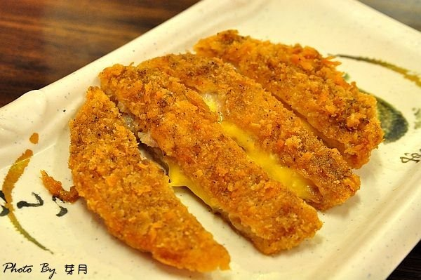 中原大學商圈美食金讚魯肉飯豬腳腿排辣蘿蔔乾