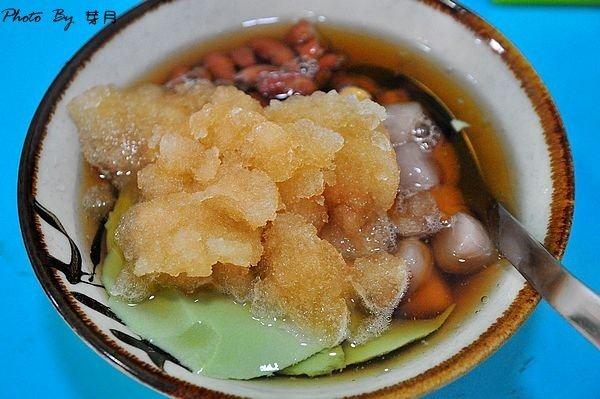 羅東美食高商童趣豆花雪蓮子薑汁抹茶三色布丁