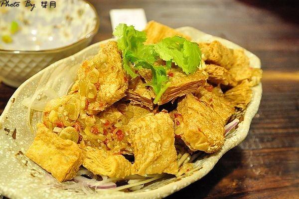 桃園美食豬寶店平價熱炒宮保皮蛋苦瓜牛肉