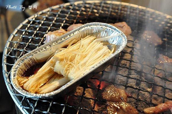 新莊上禾町日式燒烤泰國蝦厚切牛排東石生蠔帝王螺櫻桃鴨吃到飽
