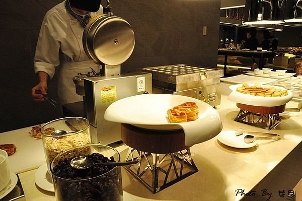 桃園市美食—台茂漢來海港餐廳Buffet海鮮吃到飽–新鮮甜美種類多,想吃可得耐心等 (全攻略筆記) @民宿女王芽月-美食.旅遊.全台趴趴走