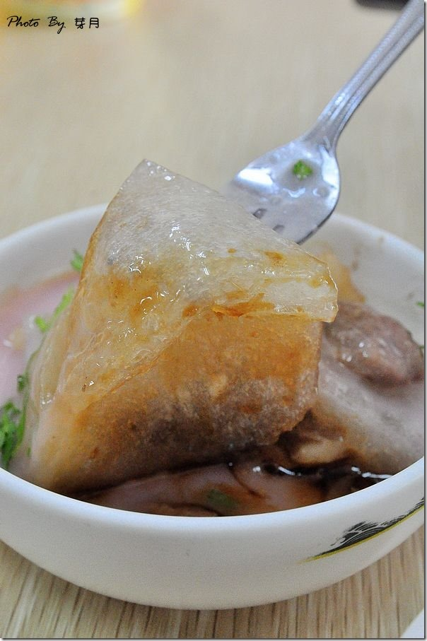 花蓮市美食彰化肉圓米糕粉紅醬汁好吃推薦