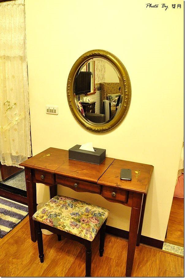 宜蘭冬山伊莎城堡無障礙電梯民宿時尚薔薇彩繪馬車