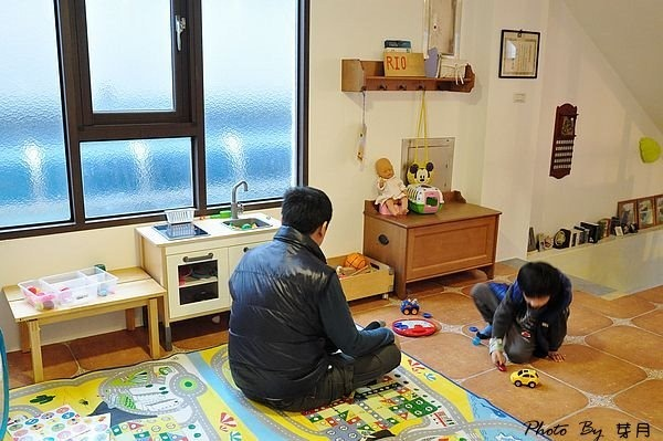 羅東大粒丸親子民宿公共遊戲區嬰兒床澡盆推薦
