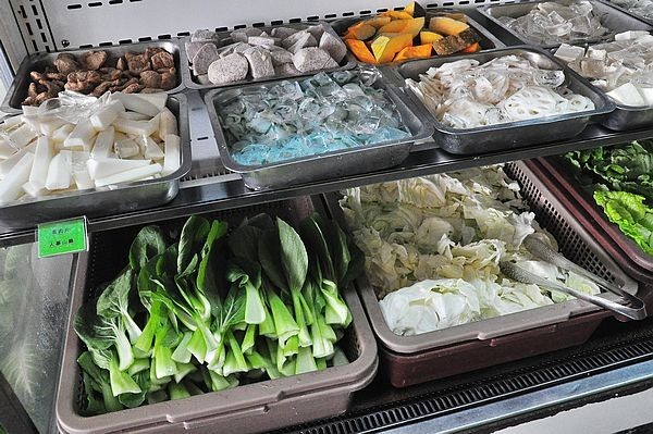 中壢美食平價吃到飽健康一番日式涮涮鍋個人香草豬南庄野菜雪花牛無毒蝦牛腱