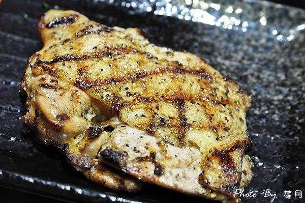新北市中和美食小惡魔炭燒牛排極黑翼板霜降嫩肩豬排雞排爆漿餐包食尚玩家推薦