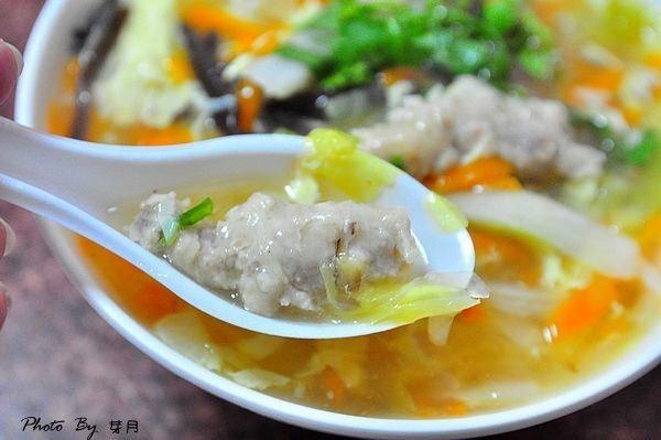 龍潭美食菜市場無招牌肉焿麻醬麵圖書館