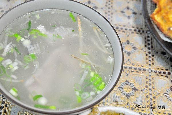 平鎮美食南京路台南鮮魚湯安平港鮮蚵煎蛋碗粿鹽水意麵