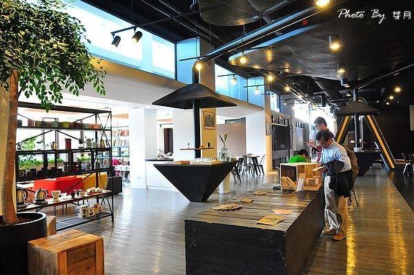 平鎮工業區美食源友alpha咖啡廳烤糖拿鐵列日鬆餅棉花糖巧克力米多甜觀光工廠