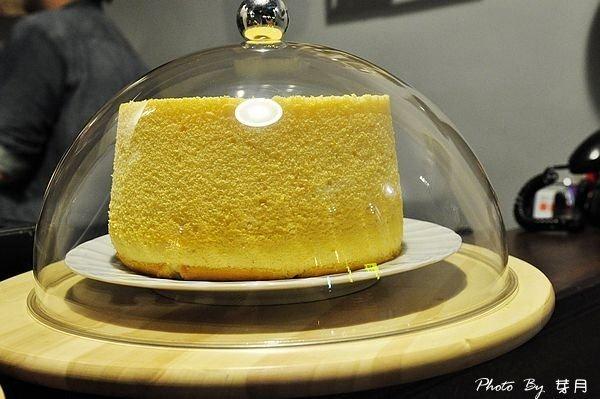 礁溪美食文鳥公寓背包客法式吐司油頭綠抹茶戚風蛋糕