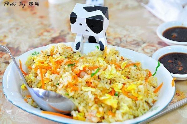 龍潭美食開封餃子館女子監獄韭黃鮮蝦炒飯手工蕃茄蛋麵