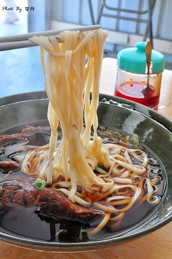 台南西港美食牛肉麵燴飯好吃推薦