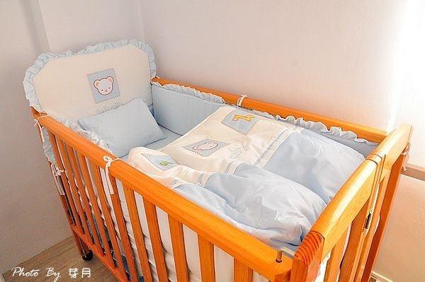台南西港民宿外婆家親子溜滑梯航海家水手日誌上下舖嬰兒床澡盆紅磚小木馬彩繪在地人推薦