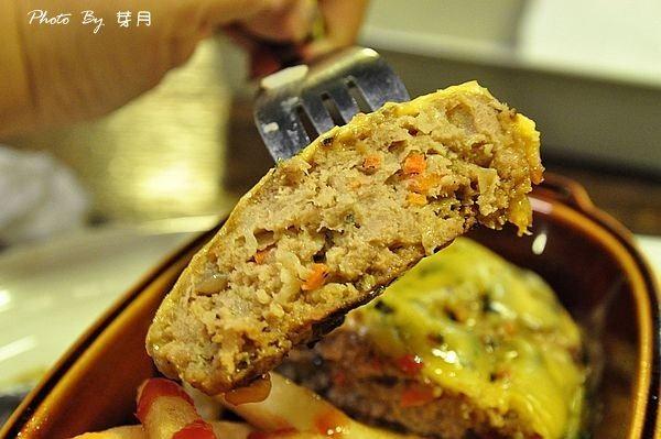 中壢內壢美食Daily蛋包飯紅酒牛肉焗烤歐姆漢堡排茅屋蛋糕