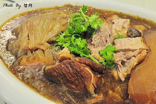 龍潭美食藍舍花園希臘地中海客家菜三封肉滑蛋蝦仁蚵仔湯鹹豬肉