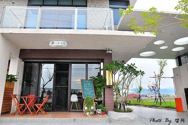 宜蘭民宿五結耘心田渡假會館峇里島酒吧英倫工業戲水池包棟推薦