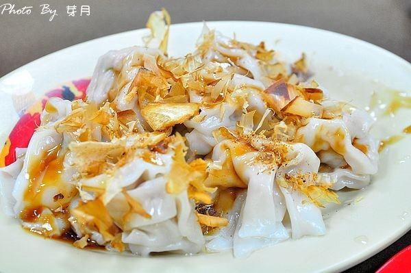 龍潭美食百年大鎮轉角麵食館柴魚片乾餛飩高麗菜鮮肉水餃平價