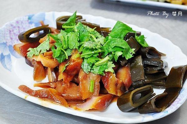 頭城宵夜美食老店蚵仔煎瓜仔雞肉羹湯苦瓜排骨在地人推薦