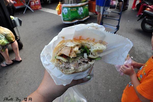 桃園中壢龍岡忠貞市場好吃美食推薦越南法國麵包異國排隊早餐大份量