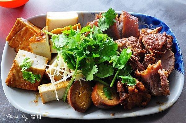 宜蘭礁溪美食推薦三民大飯店小吃食尚玩家滷味老店在地人菜單
