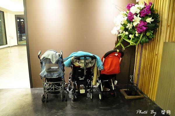 桃園市美食夢工場親子主題餐廳溜滑梯兒童餐室內無毒中茂新天地藝文特區下午茶鬆餅電話地址