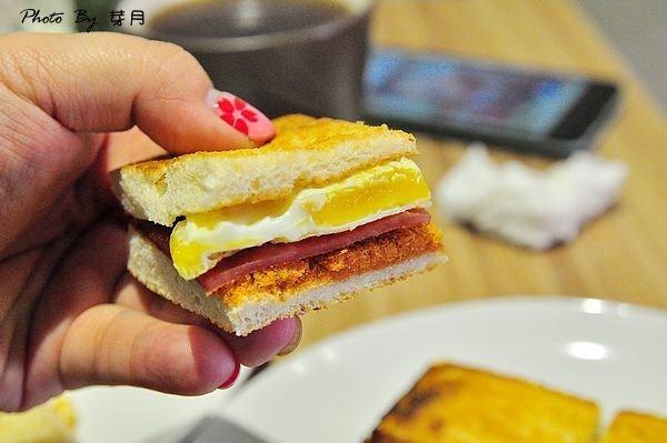 桃園中壢美食初吐司蛋餅早午餐肯德基大時鐘乳酪法式吐司西式早點菜單