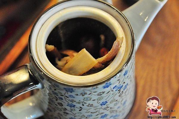 桃園中壢美食-養親轅咖啡 Jodie Ho cafe-中藥房裡面賣咖啡,這一味解憂愁啦 @民宿女王芽月-美食.旅遊.全台趴趴走