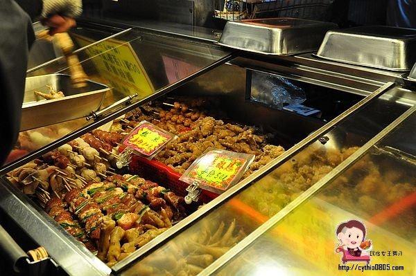 八德美食,宵夜,小吃,排隊,晚餐,真香味烤肉,米腸,鹽酥雞,麻園烤肉 @民宿女王芽月-美食.旅遊.全台趴趴走