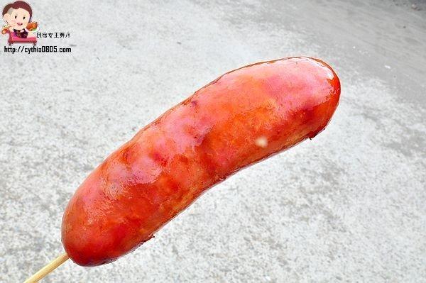 桃園新屋美食-永安綠色隧道停車場香腸-停車場上的爆汁香腸,想吃還要拿號碼牌 @民宿女王芽月-美食.旅遊.全台趴趴走