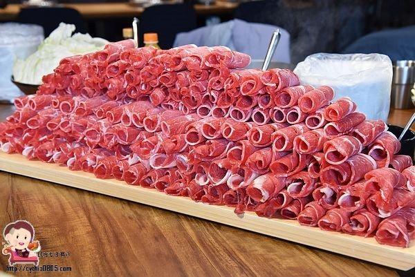 桃園中壢美食-福叄鍋物-超浮誇的240盎司大肉山,一年一次就夠了,下次要挑戰多少肉啊 @民宿女王芽月-美食.旅遊.全台趴趴走