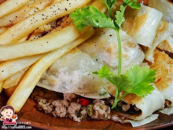 台北中山區美食-Khun thai bistro-小巷子內的泰式餐酒館,泰式蛋餅真的好好吃!(邀約) @民宿女王芽月-美食.旅遊.全台趴趴走