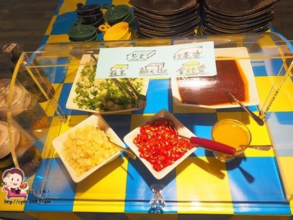 桃園火車站美食-陶淵明精緻鍋物-令人驚艷的獨家田園高湯,藥膳湯頭讓我難忘,還有好吃的滷肉飯!!! (邀約) @民宿女王芽月-美食.旅遊.全台趴趴走