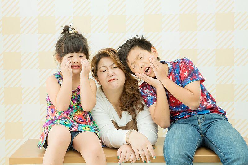 台北全家福親子拍攝-Tinyck。小詩琦映像館-誰說親子照一定要唯美,拍出你的特色全家福才是王道  (邀約)