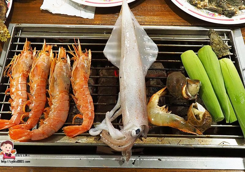 桃園平鎮美食-鮮饌複合式碳烤-平鎮也有海鮮吃到飽啦,新鮮海魚每天都不同,還有羊肉爐哦