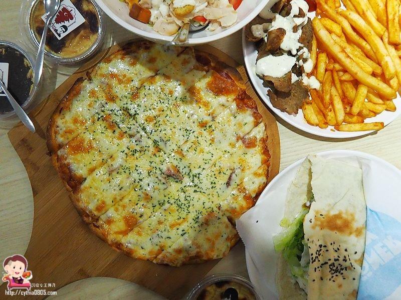 桃園中壢美食-Döner&Pizza-比臉大的口袋餅只要80元,花少少錢就可以吃超撐
