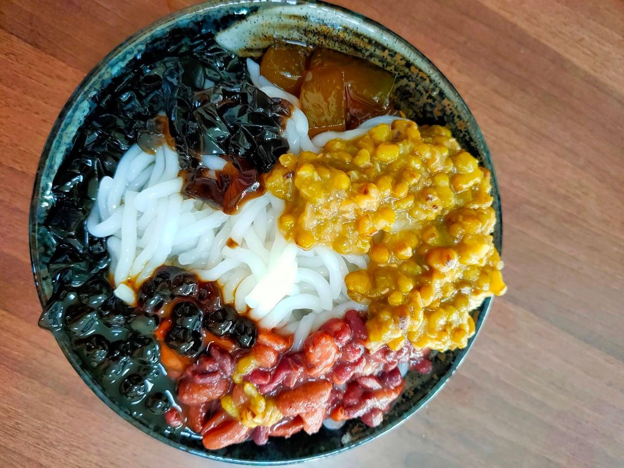桃園中壢美食-阿福米苔目-中豐路上的銅板美食,一大碗只要45元就吃到撐