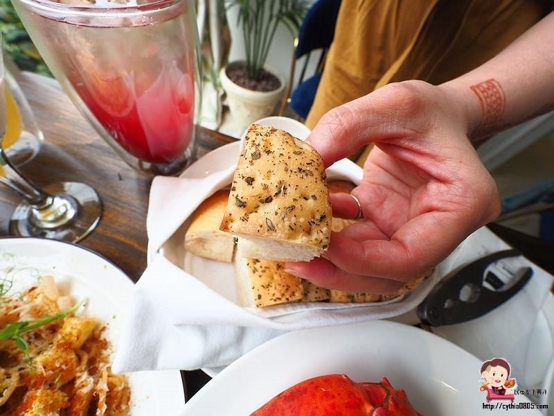 桃園平鎮美食-Amour373cafe 阿沐373-把沙灘搬進咖啡廳裡,餐點精緻好吃有用心  (邀約) @民宿女王芽月-美食.旅遊.全台趴趴走